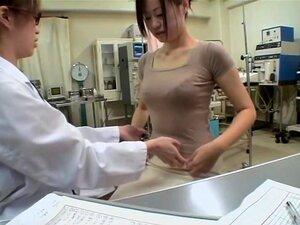 Jap ญี่ปุ่น dildo เส้าได้รับในระหว่างการสอบทางการแพทย์ ญี่ปุ่นหัวนมใหญ่ และน่ารักมากได้รับของเธอฉกดีที่หนาตา มีเพศ dildo ใหญ่ในนี้ถ้ำมองรางวิดีโอ และเธอคือเสียงสวดในขณะที่กำลังพอดี ดูชั่วร้ายมาก