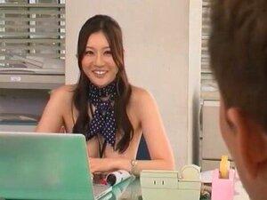 โสเภณีญี่ปุ่นทัตสึมิ Yui ในสำนักงานอย่างเหลือเชื่อ Cumshots JAV ฉากที่ดีที่สุด