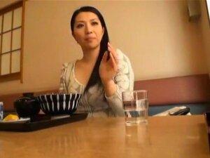 ผู้หญิงที่แต่งงานขึ้นใน AV เฮ้ ไม่สายเกินไปในชีวิตลองปรากฏในแบบวิดีโอโป๊ นี่คือ นักแสดงสาวโย Tsuyako ที่เล่นเป็นภรรยาที่แต่งงานที่ต้องการให้ปรากฏในวิดีโอสำหรับผู้ใหญ่ของเธอครั้งแรก