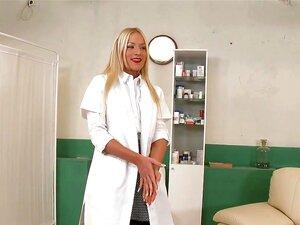 เรื่องเล่าจากโรงพยาบาล Bedlam เคยได้ยิน Bedlam โรงพยาบาล มันต้องเป็นสถาบันดูแลสุขภาพ weirdest เคย โดยเฉพาะอย่างยิ่งเมื่อมันเป็นแมนดี้พยาบาลที่ควบคุมผู้ป่วย และคัดสรรรักษากระตุ้นทางเพศที่พวกเขาได้รับ ฟังเรื่องราวของคุณพยาบาลใหม่ที่เพลงใหม่เกี่ยวกับพยาบาลแม