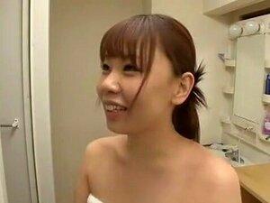 สาวญี่ปุ่น Yuria Shima โมโมอิริกะ ซากิ Hatsuki ในคลิปที่เขา JAV