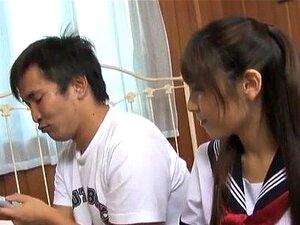 Momo Aizawa ดูด และลูบไก่ และมี crac