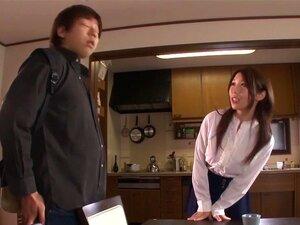 Ayumi Shinoda in Seductress Stepsister part 1,