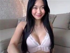 Asian Webcam Girl Miss ReinaT,