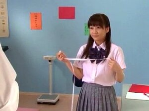 นักเรียน Yuri Shinomiya